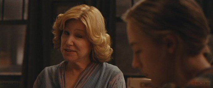Mary Kay Place turns 71 today, happy birthday! What movie is it? 5 min to answer!
