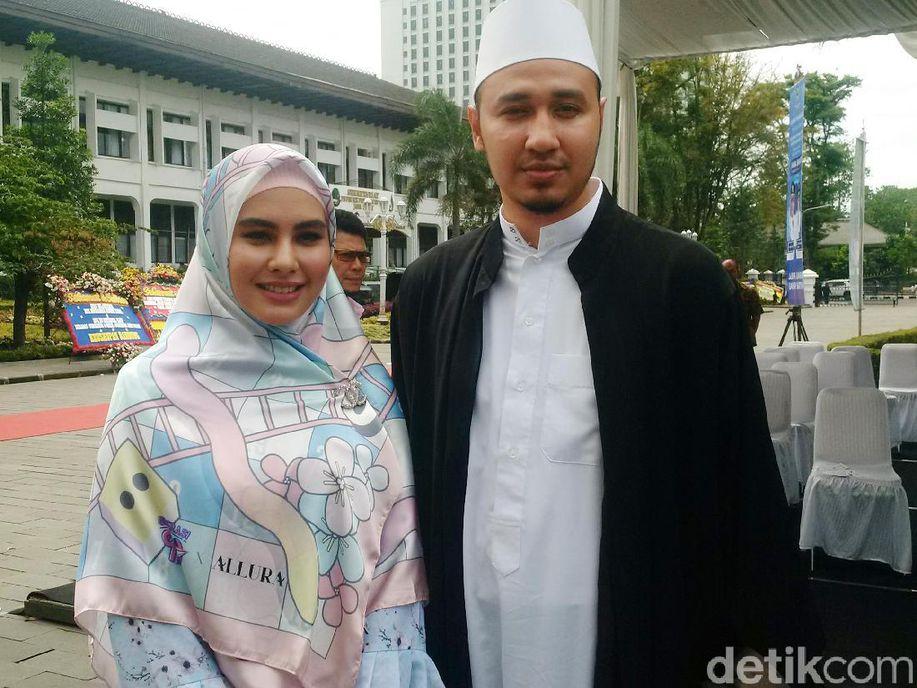 Sebelum Nikah, Kartika Putri Minta Habib Usman Janji Tak Berpoligami https://t.co/cELwh2BYJv via @detikhot https://t.co/PAeLKHr4YI