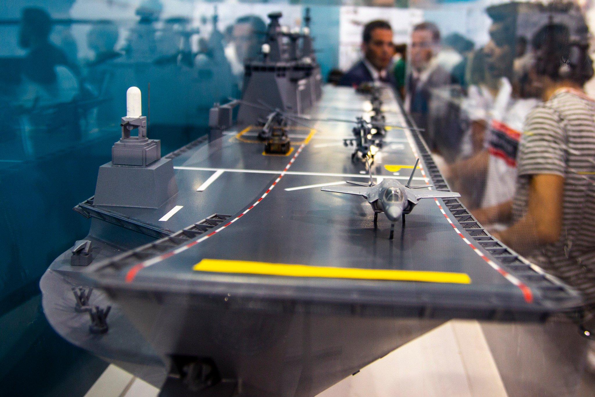 Le nouveau projet de destroyer furtive TF-2020 DnxmstcXoAQMjth