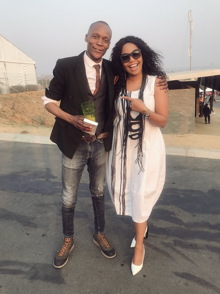 Had a groupie moment yesterday at the #DStvDelicious fest. 😂🙈 #VisaGetCloser to the Starring himself. #MossMakwati