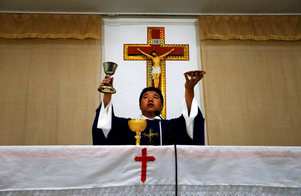 China's Catholic Church pledges loyalty to Party after Vatican deal https://t.co/l0c9SUPdfG https://t.co/UxmsMkoLXA