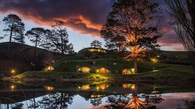 500RT:【行ってみたい】ファンタジーの世界に迷い込める現実の場所 https://t.co/oL98UFVja5  NZの北島ワイカト地方にある「マタマタ」という場所。映画『ホビット』三部作のロケ地だという。