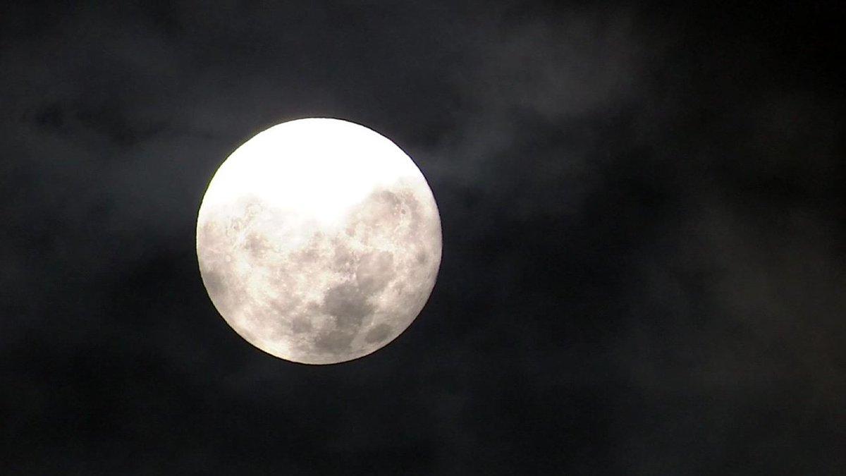 [JTBC 뉴스룸] #날씨 23일 저녁까지 소나기 내리는 곳도…하지만 24일 전국 대체로 '맑음'. 추석 보름달 볼 수 있을 전망. https://t.co/CB1NGZCGnF