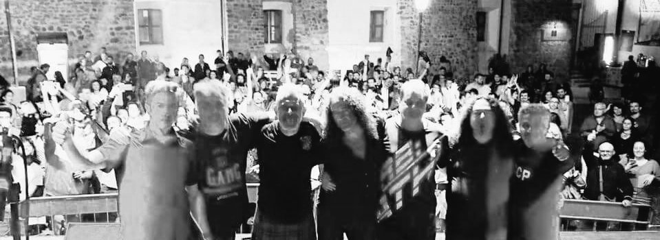 GRAZIE! #Ceppaloni #Benevento #Campania #22settembre#MCR #ModenaCityRamblers #Summertour2018 #Letsgoramblers  #Sullastradacontrovento #bellaciao  - Ukustom