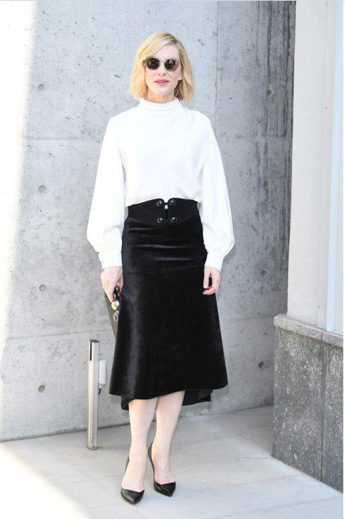 Che classe, Cate Blanchett ✨  Sfilate di Milano, tutte le star in front row >> https://t.co/gzNjgtmUhm