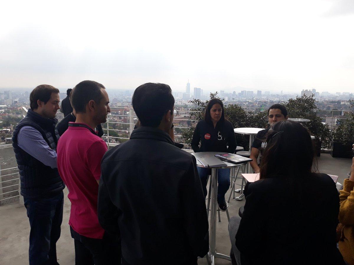 Listos para seguir mentoreando a los equipos del #HackathonBlockchainMX de @UNICEF - @EndeavorMexico   Todos los equipos codeando! En la noche conoceremos a los ganadores! https://t.co/rbRaRCjx0u