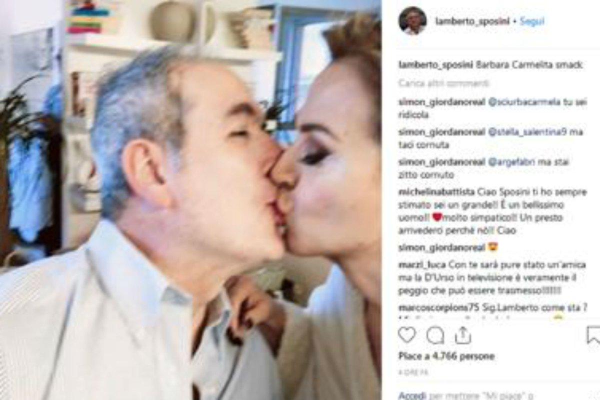 'Carmelita Smack', Sposini bacia D'Urso https://t.co/MaCu9i8Dg9