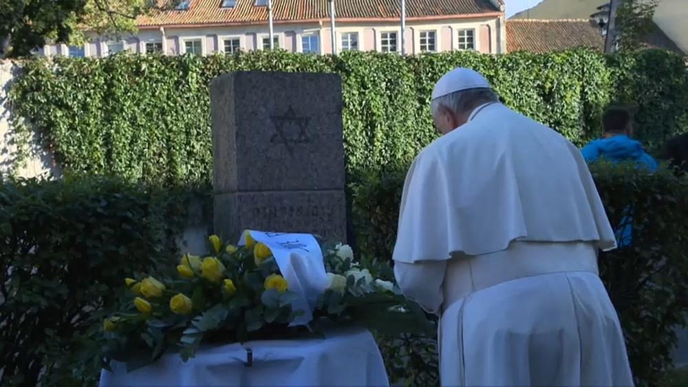 Papst erinnert an Holocaust-Opfer und warnt vor «Sirenengesang» neuer Nationalisten und Populisten https://t.co/f7ugyMPORI