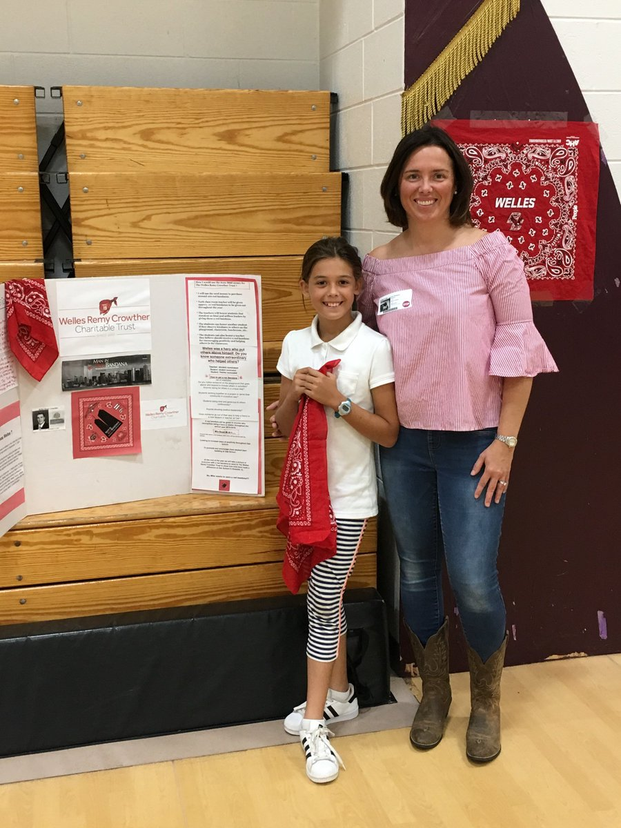 "Oak School launched #RedBandannaProject to recognize exceptional service & kindness in students. We're honored to introduce Welles' legacy to our school: #WellesCrowther #StudentCouncil will recognize & award a red bandanna to deserving students. We're ""Growing Our Community.""<br>http://pic.twitter.com/WyPaO2xVeL"