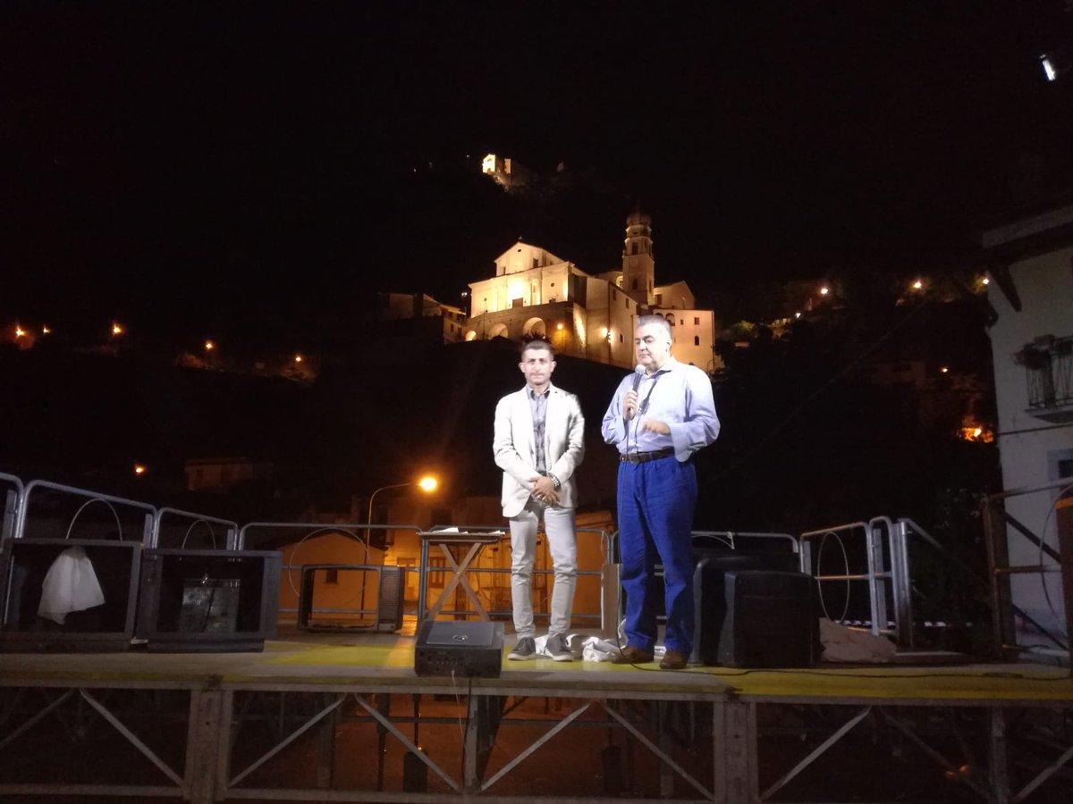 Serata in p.zza san severino x assistere a manifestazione teatrale sul caso #Moro.Spettacolo di livello che mette a nudo incongruenze stato  - Ukustom