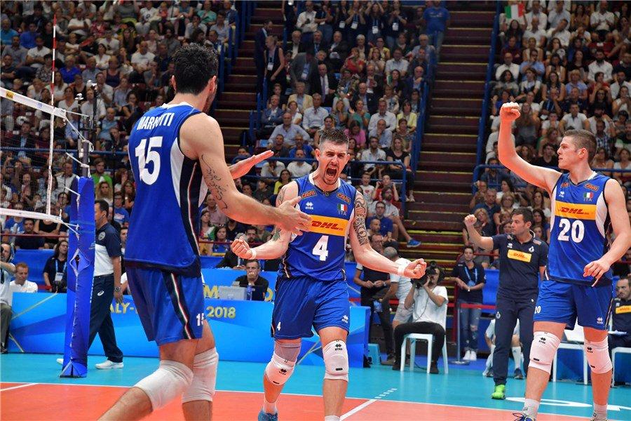 #VolleyballWchs S-T-R-E-P-I-T-O-S-I#LaNazionale conquista la vittoria, #ItaliaOlanda 3-1 GRAZIE MILANO!!!RT per gli #azzurri #VolleyMondiali18 @FIVBVolleyball  - Ukustom