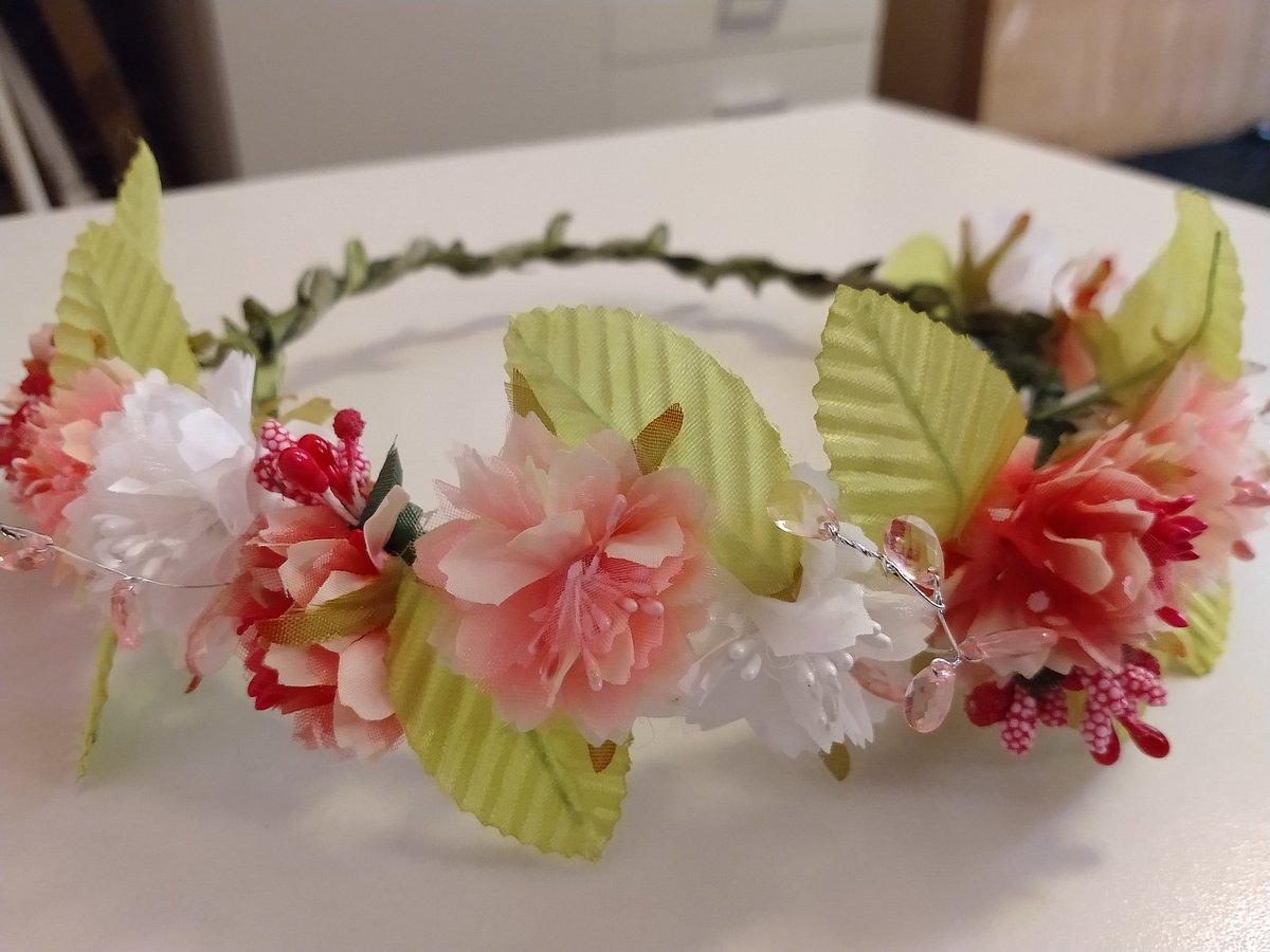 Flowercrown hashtag on twitter another flowercrown in pastel colors with pink acryl beads rdc5 fannibalfamilypicitterwitbxfjo4y izmirmasajfo