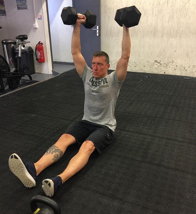 New week of training #dumbellworkout #lifting #dumbells #dbpress #training #crossfit #wod #crossfitbox #fitness #crossfitcapmartin #roquebrune #capmartin<br>http://pic.twitter.com/eaQQySRiyL