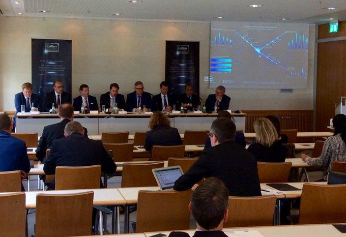 &quot;Deutsches Kapital ist zurück!&quot;<br>Die Colliers-Pressekonferenz über internationale Kapitalströme von und nach Deutschland auf der #exporeal liefert spannende Einblicke in die Investmentmärkte rund um den Globus. t.co/fY5sFyAaeh