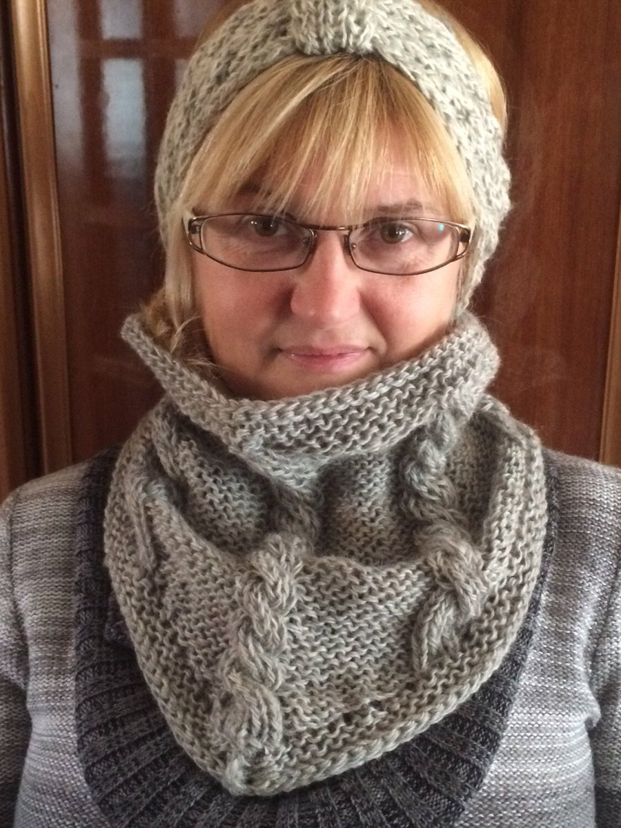 Excited to share the latest addition to my #etsy shop: Set: wool bandana and cowl, Wool neckwarmer, Gray knit cowl, #Christmas #gift, scarf #supplies #knitcablenetscarf #knittedcirclescarf #knittedneckwarmer #chunkyneckwarmer #handknittedscarf https://etsy.me/2NufRDSpic.twitter.com/QLQjM3Zej3