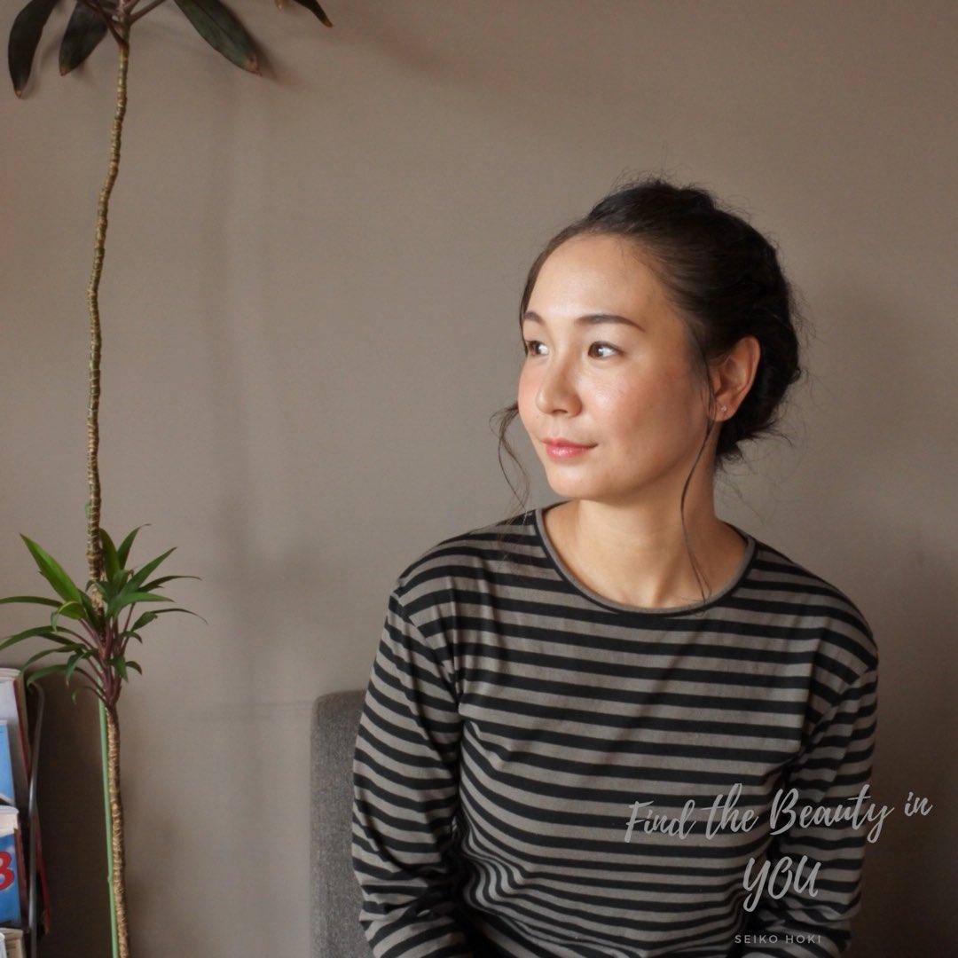 【美眉フォト】 今日は名古屋の蓮庵さんで美眉メイクレッスンday  パリジェンヌ風に仕上げて初めて出会う自分に喜んで頂けました。  蓮庵さんの普洱茶と蓮の葉おこわにココナッツケーキも美味しく美しい時間になり本当にありがとうございます✨  #美眉フォト  #美眉 #蓮庵