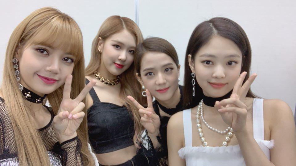 Vote for #BLACKPINK on Asia Artist Awards 2018   Link: https://t.co/wu4NBK81oF   See more: https://t.co/AUjoRfxifx https://t.co/NzlMXVSnLM