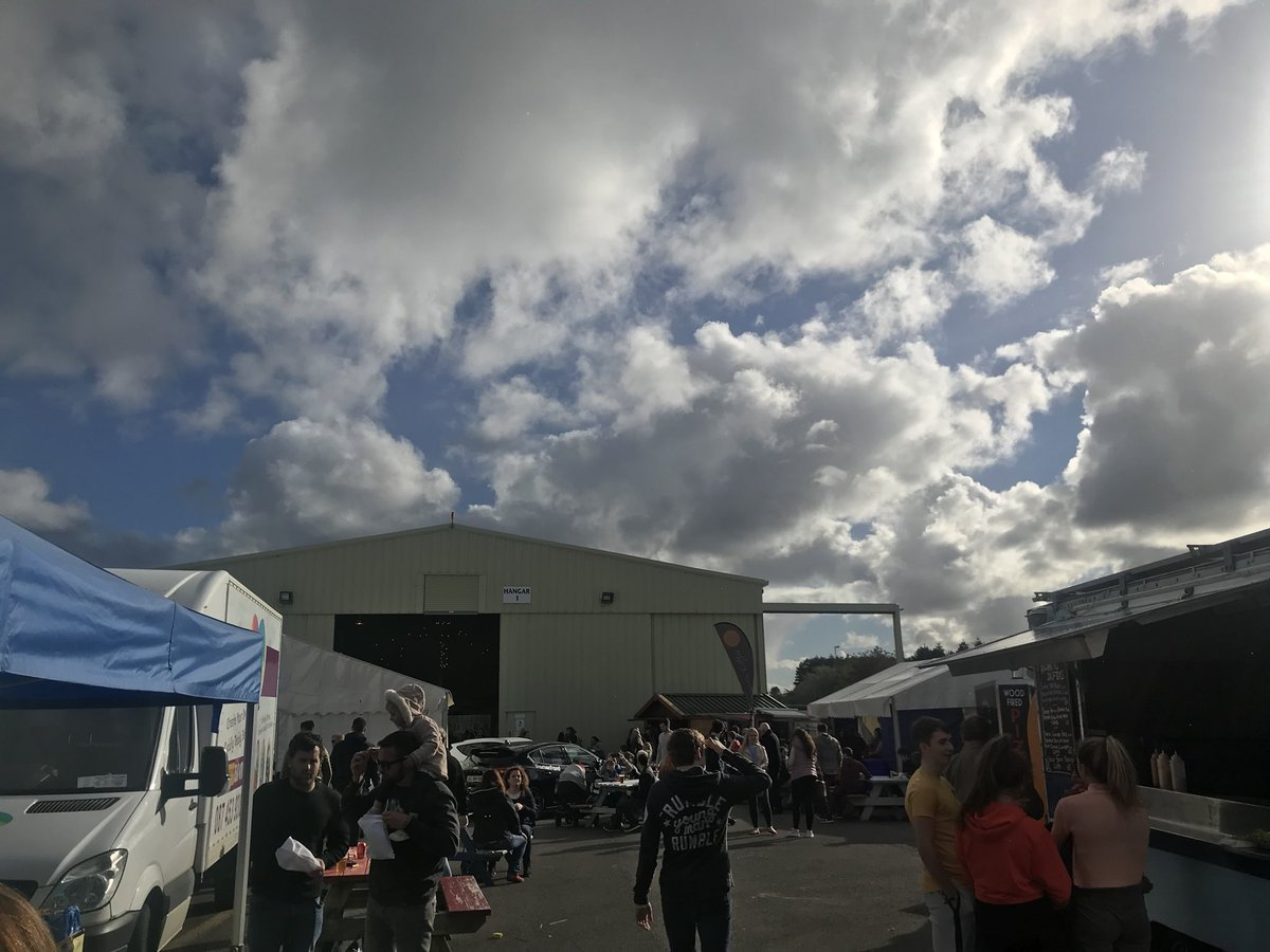 A good aul wild and sunny day for #StrandhillFoodFest which is absolutely buzzing @StrandhillSPM @almulrooney<br>http://pic.twitter.com/VjwF7Tc7zD