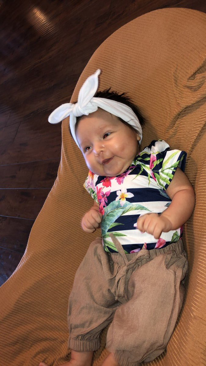 Happy Saturday  thank you @baileysblossoms for the adorable outfit #granddaughter #mimisgirl #babymodel #gerberbaby #gerberbabysearch2018 #cutebaby #girlyoutfits #knottedheadband  @catrinamiller_pic.twitter.com/ha811DE9OI