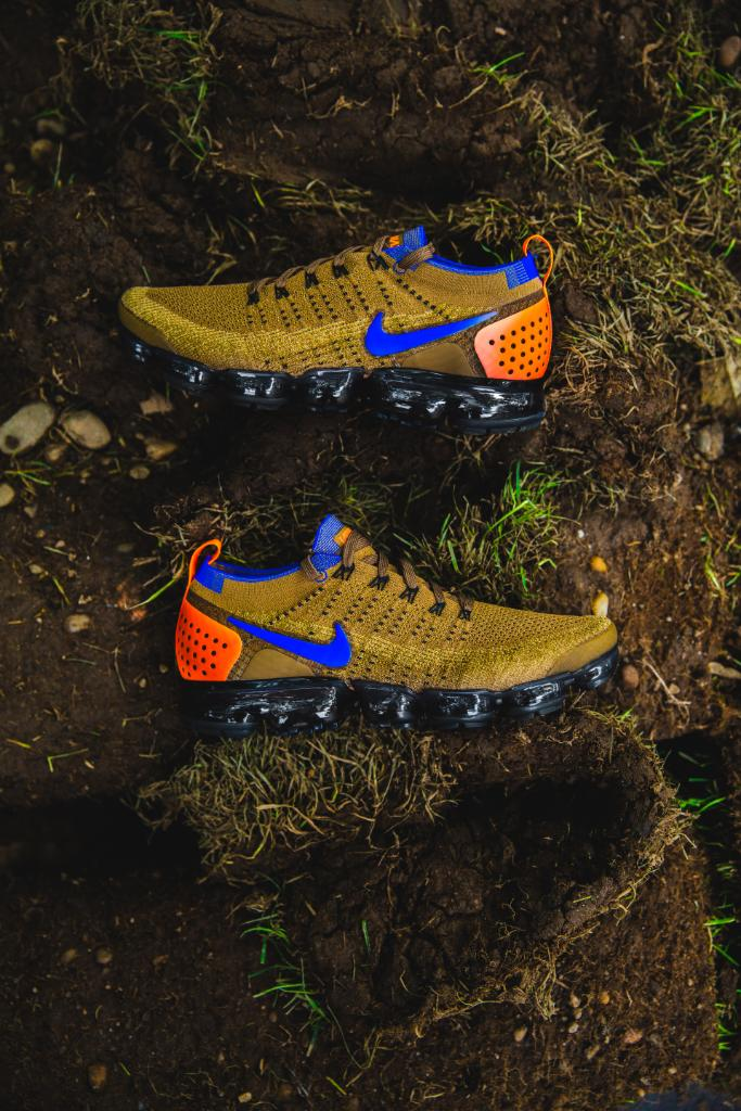 48515da7e987 Iconic colorway hits the Vm.  Nike Air Vapormax Flyknit 2  Mowabb  Available  In-Store and Online Now! http   spr.ly 6011D4WLv pic.twitter.com g2xxayAtVC