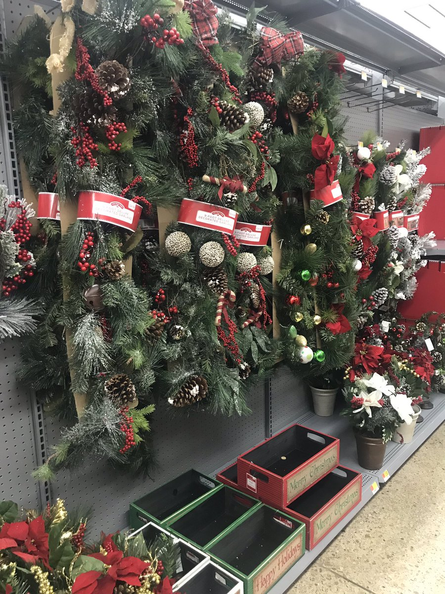 j wade howard on twitter the date was october 6 2018 walmart seems to think its time decorate for christmas itsoctober - What Time Does Walmart Close On Christmas Eve