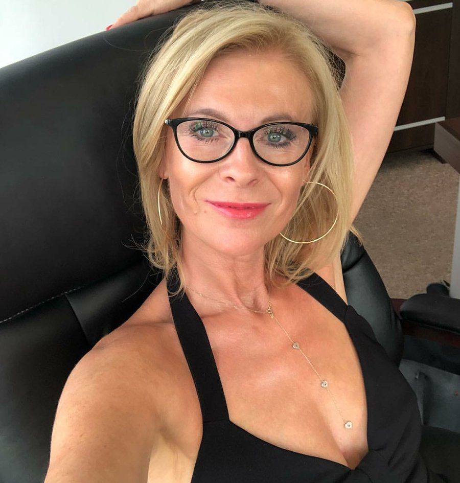 Big boobs milfs in glasses