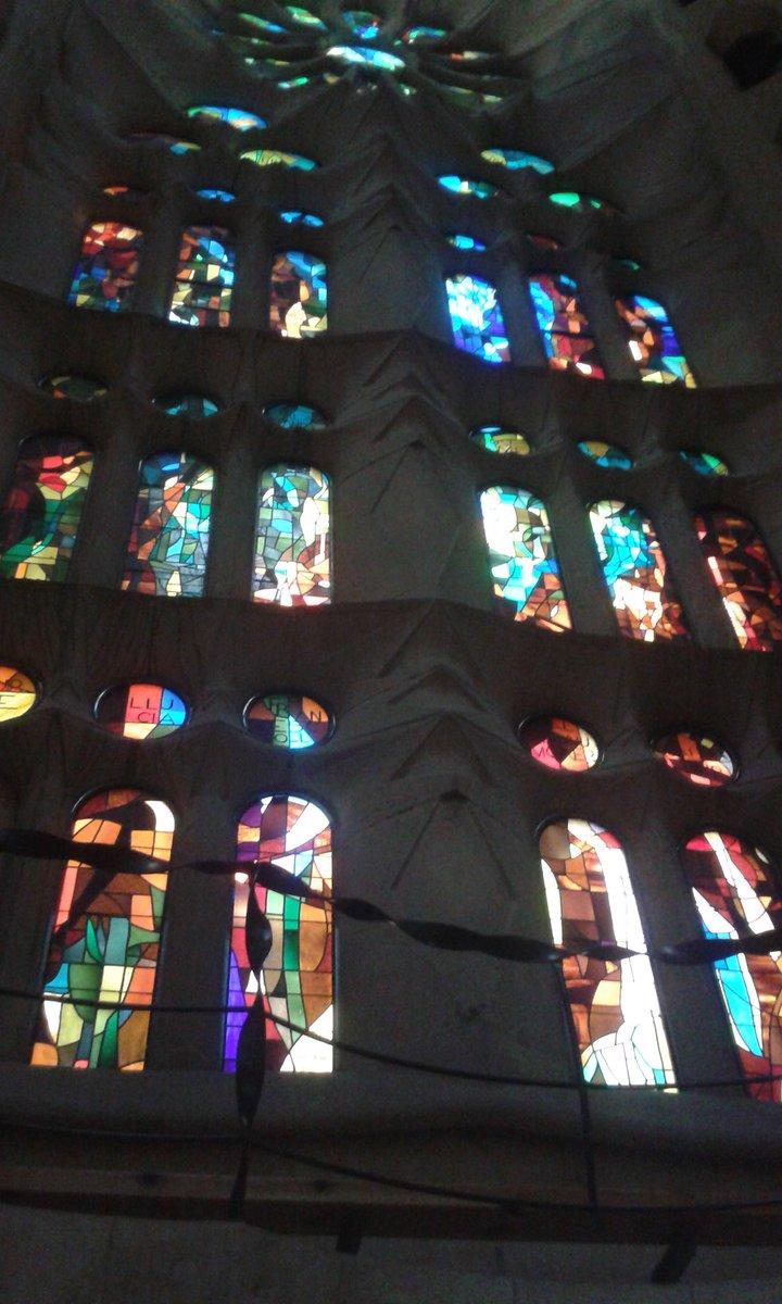 Interior de la #Sagradafamilia #Gaudí #Turismo #travel #FelizSabado #Barcelona