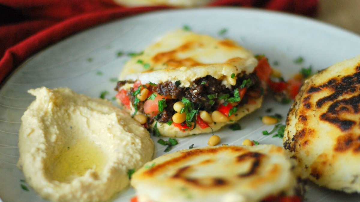 Jewish Learning: Spiced Lamb and Hummus-Stuffed Arepas   https://t.co/4tQLECDgu9 https://t.co/zx9zOArsvp