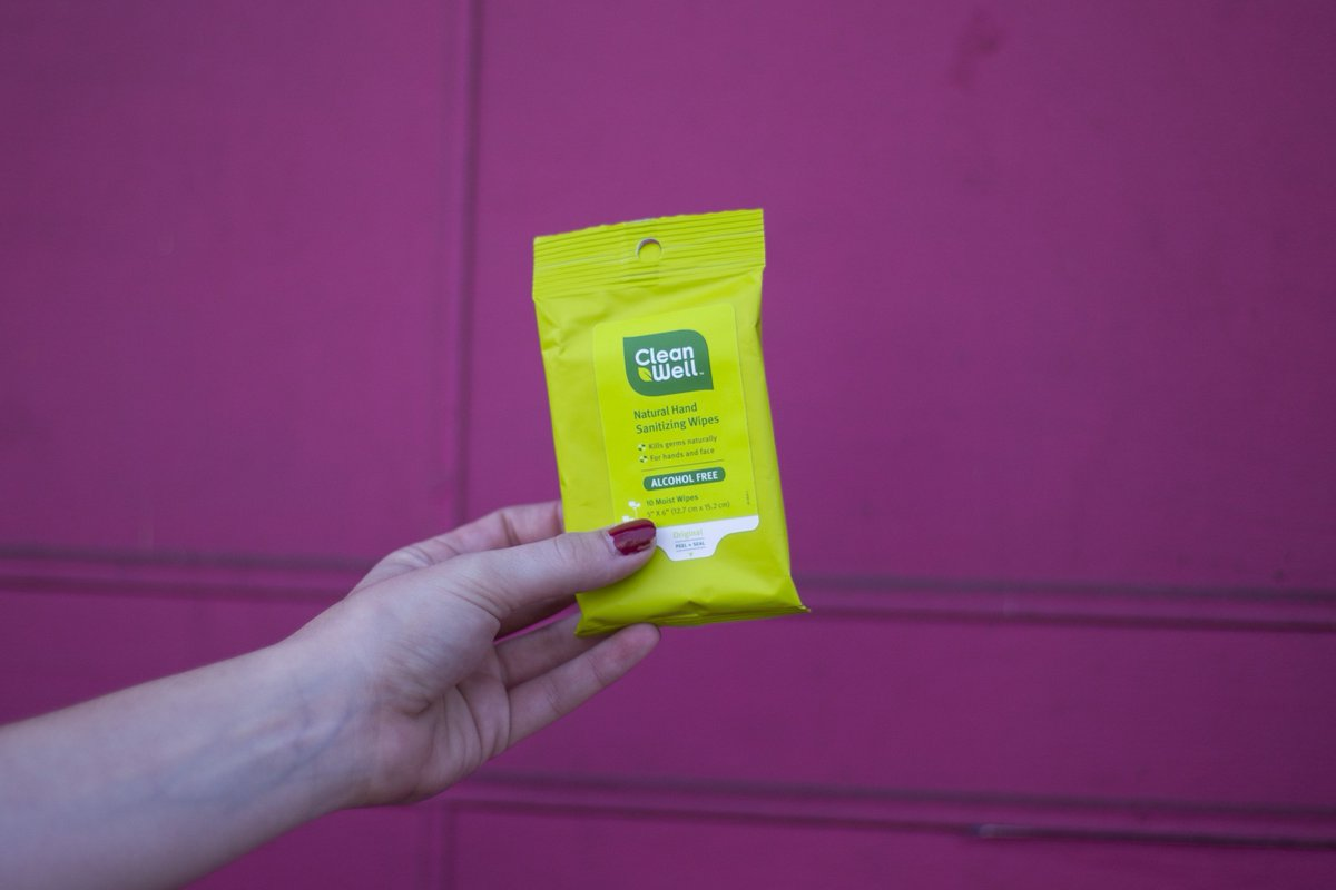 Our hand sanitizing wipes get all botanical on grime and germs for the most satisfying clean. Where do you CleanWell? . . . #travel #botanical #thyme #exercise #livewell #plantbased #ecofriendly #noalcohol #portable #pocketpack #stayclean https://t.co/aMlv8Kq5KZ