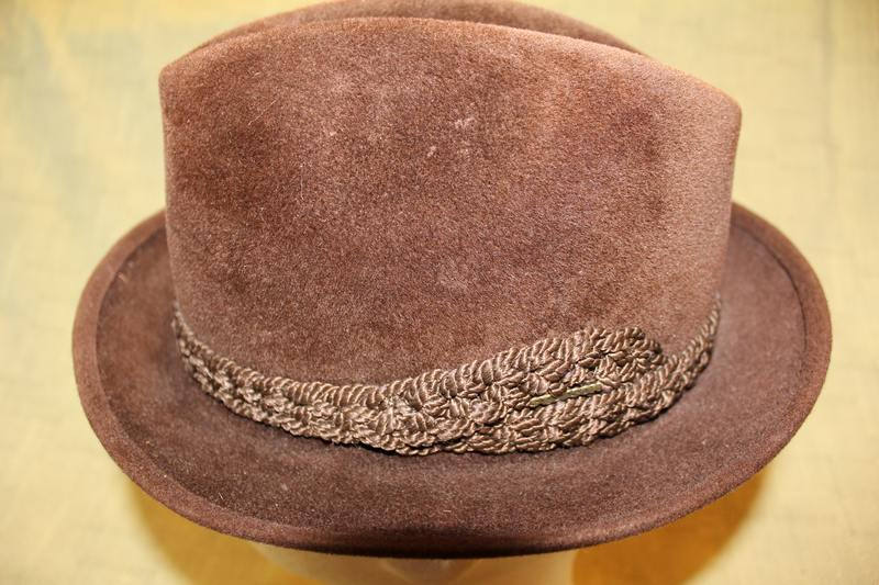 207189531ea Vintage Stetson Sovereign Dark Brown Trilby Fedora Velour Size 7 Men s  Fashion https   etsy.me 2kTX3l0  Vintage  Etsy  AtticEsoterica   VintageStetson ...