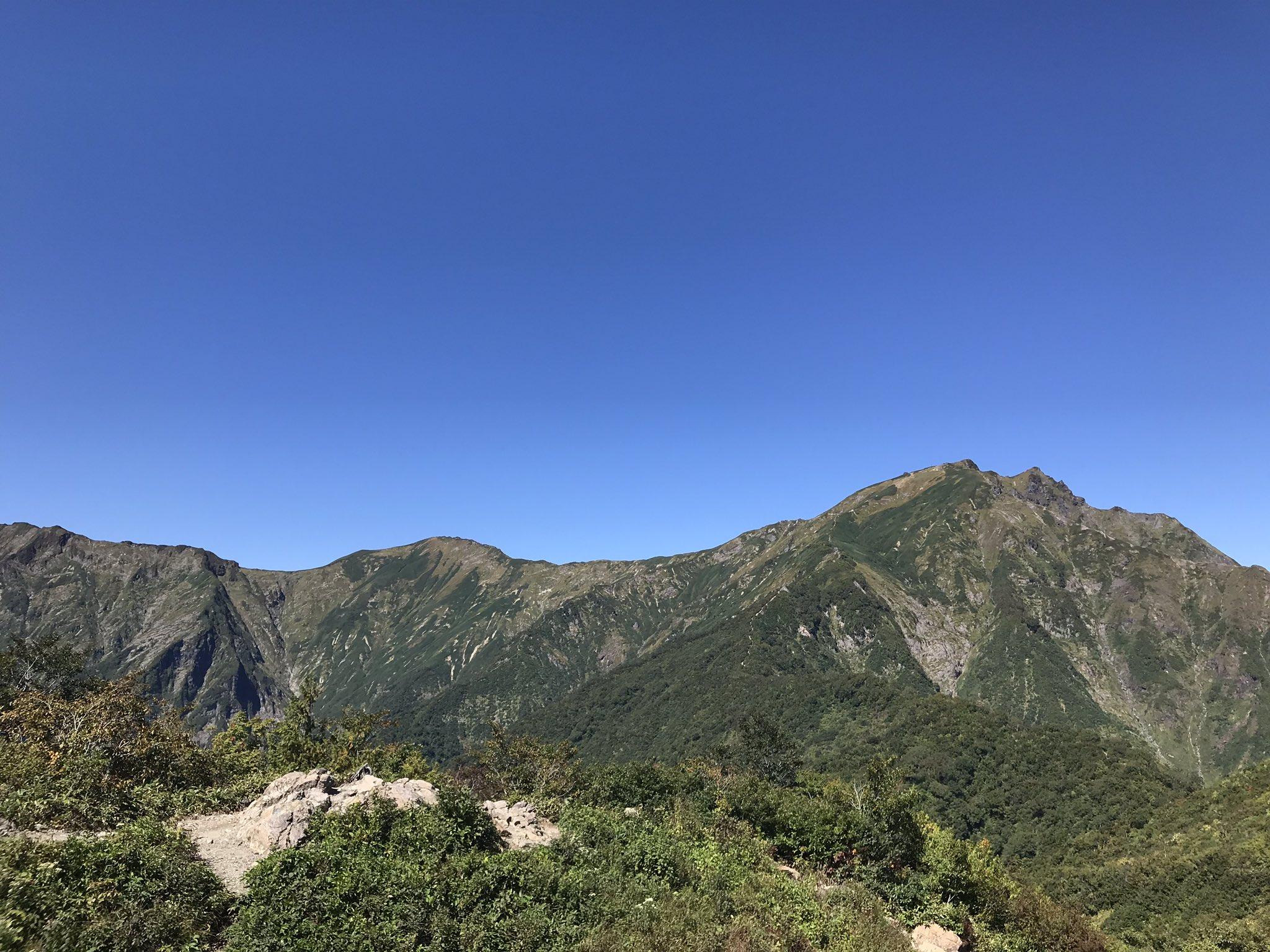 天神平から 紅葉前の谷川岳⛰   (9/19) https://t.co/DBnF95M9NW
