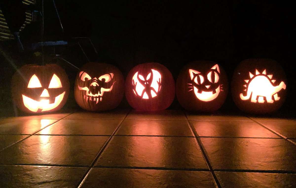 Guess who carved what? Out of Myself, Nicole, Buggs, Dave and Ryan.