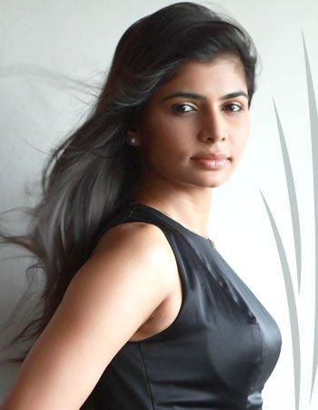 """When I wear Saree, some men take photographs of my waist and side of my chest..."" - Chinmayi strikes Again"