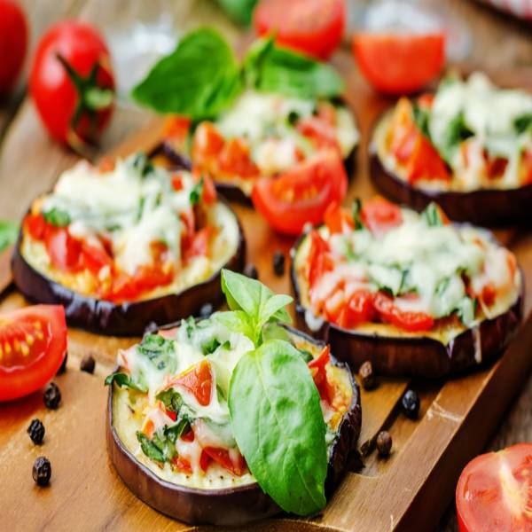 #RECIPE: These Mini, Eggplant Pizza Are Absolutely Surprising In Every Bite! https://t.co/5RhNoamC5T https://t.co/QAPf5joHGF