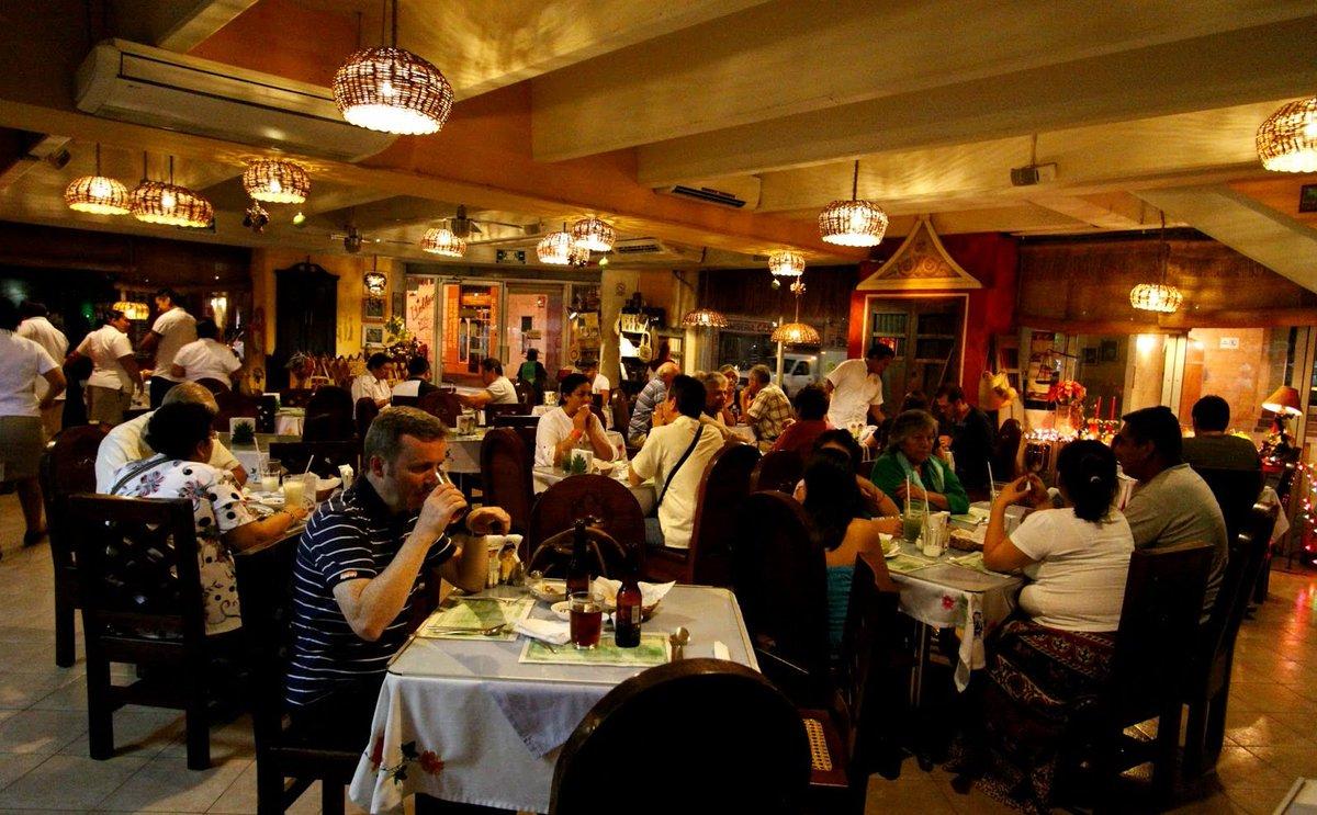 #Internacional Restaurantes de EU acusados de explotar a hispanos https://t.co/IxpCb8xfai