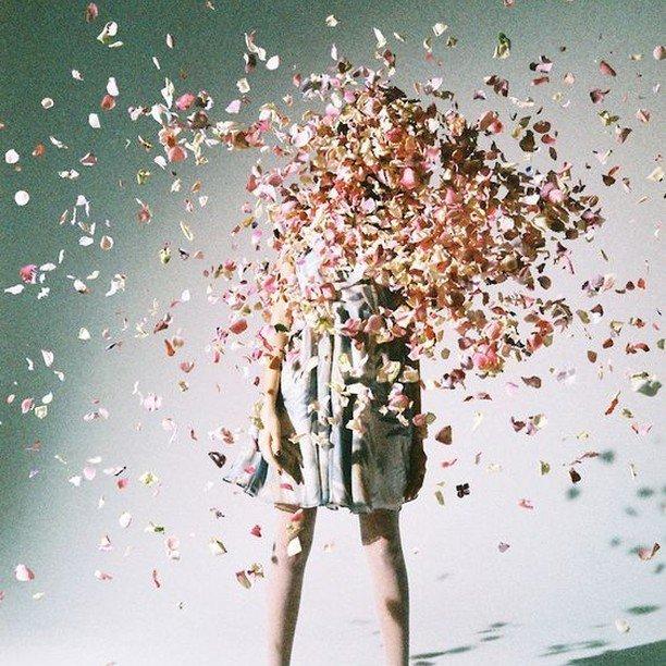 Week-end is Over  Des souvenirs plein la tête pour commencer une nouvelle semaine !#sestraparis #moodoftheevening #moodboard #feelgood #inspirationpic.twitter.com/P4MhQf7whF