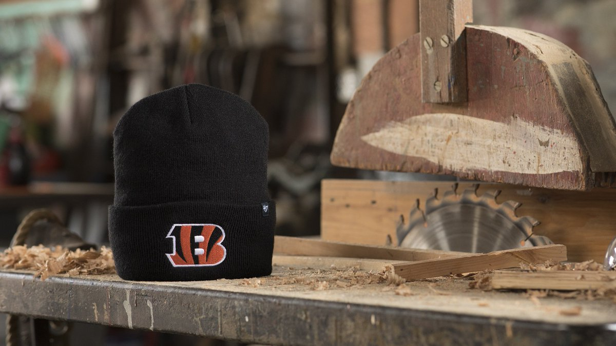 Score the NFL  Carhartt x  47 Knit in your favorite team before they re  gone  http   bit.ly 2NrngaO .  OutworkOutroot pic.twitter.com Zc2Dwa0Yze bb6f080a5