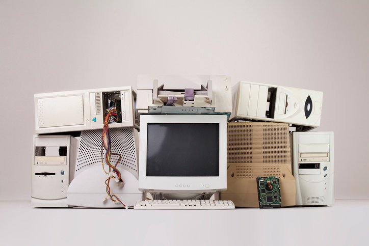 Learn how to donate or recycle electronics safely: https://t.co/sxkhbNnb8S https://t.co/6xIgUkqUa6
