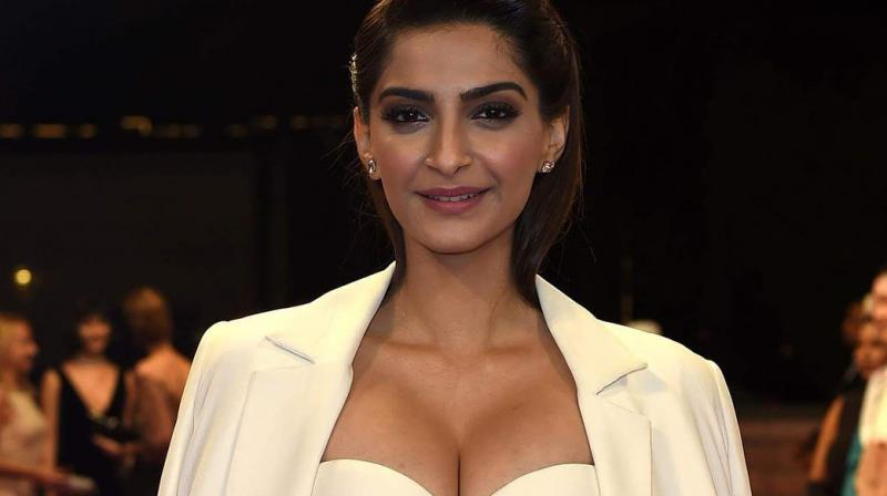 Sonam K Ahuja decides to go off Twitter, says it's just too negative #bollywoodactress #Bollywoodnews #SonamKAhuja #SonamKapoor #SonamKapoornews #SonamKapoorquitsTwitter #SonamKapoorsocialmedia #SonamKapoorTwitter http://www.imagesgirls.com/2018/10/sonam-k-ahuja-decides-to-go-off-twitter-says-its-just-too-negative/ …