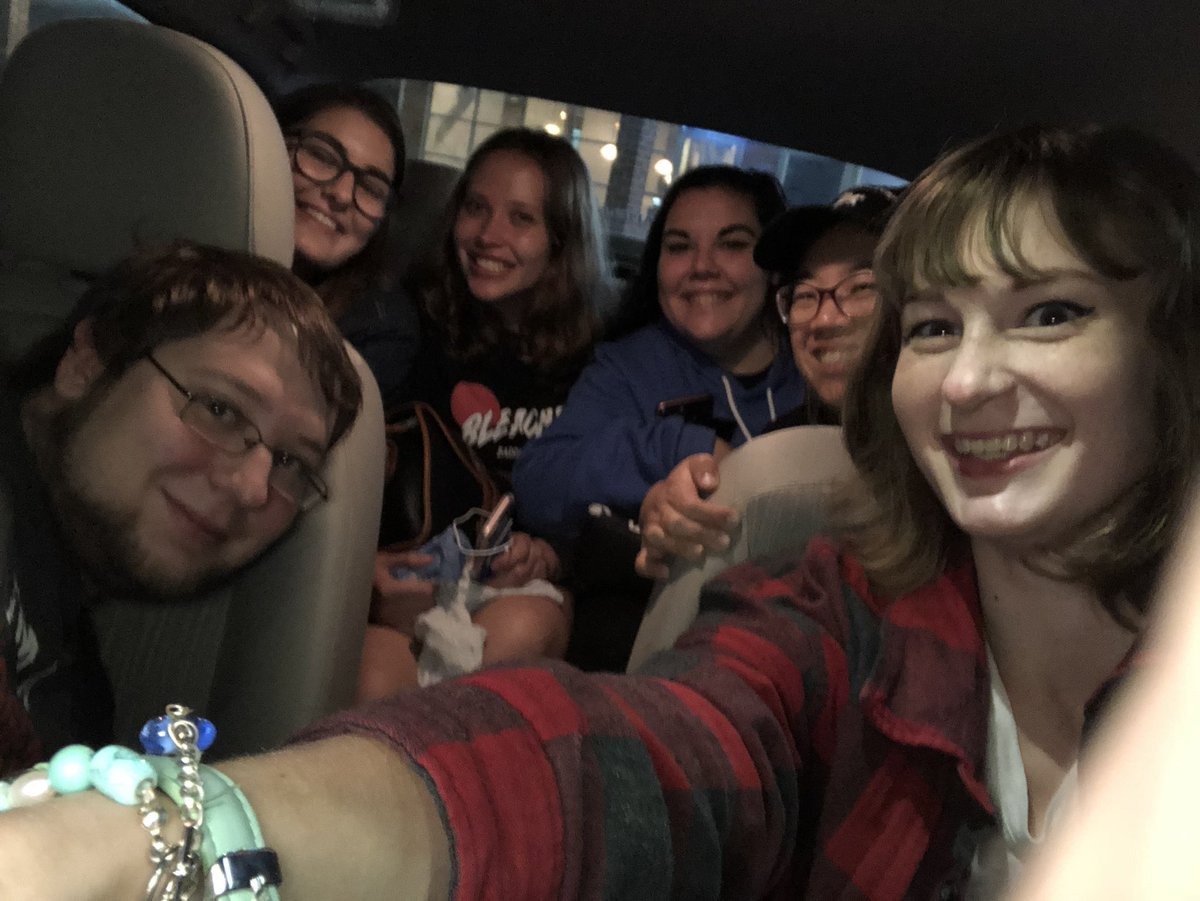 RT @thankyouandsrry: What happens when you fit 6 @bleachersmusic fans into one small car? https://t.co/iVAMLxpwbw