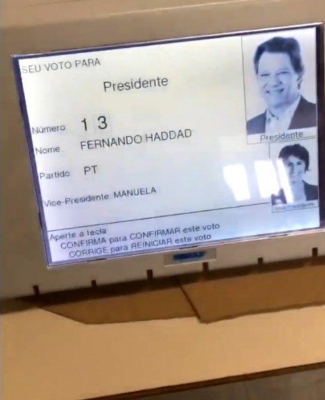 Vídeo em que urna auto-completa número de Fernando Haddad é falso #Eleições2018 #fake #urna https://t.co/kbFbA5qWIM