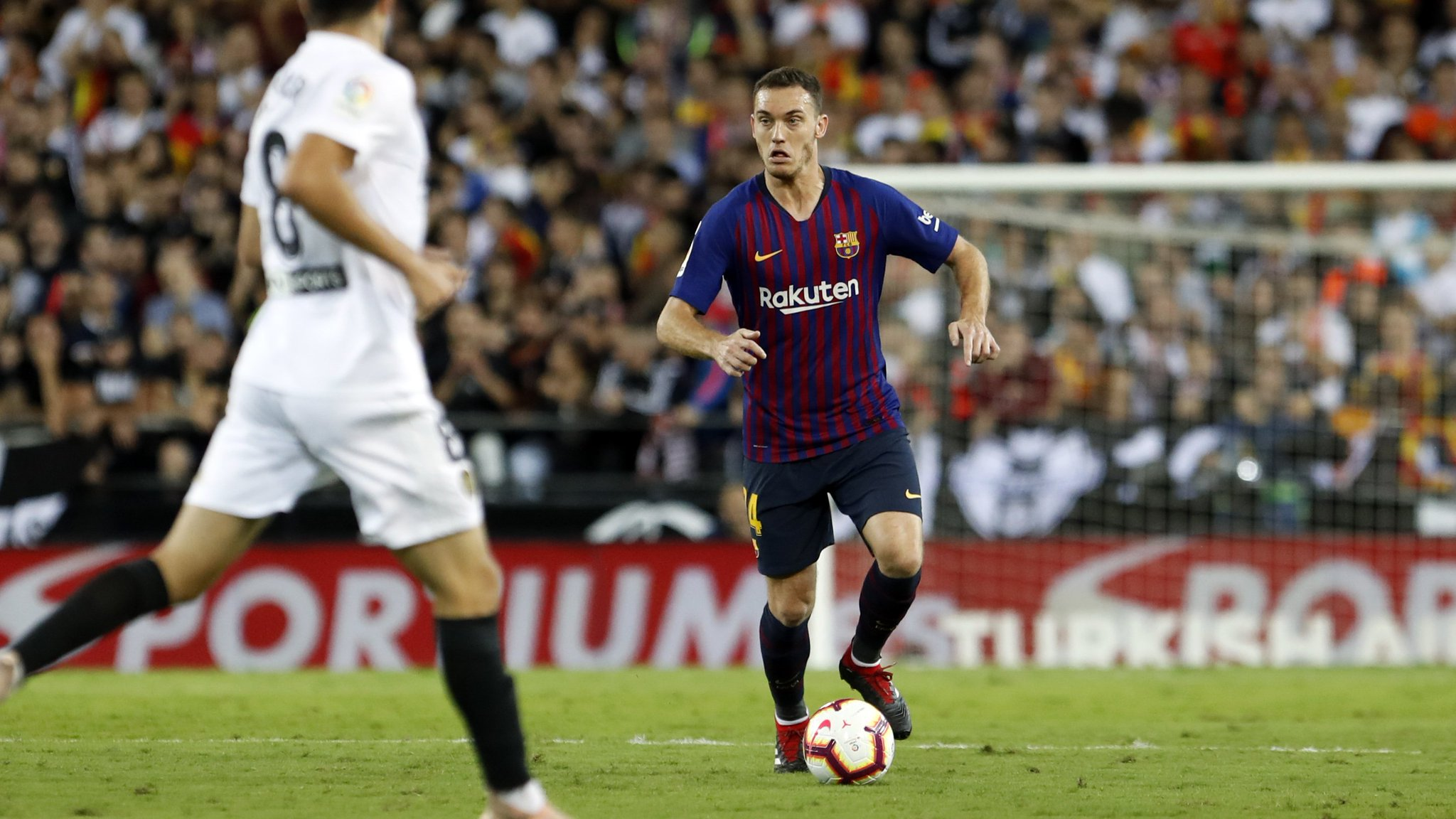 �� The second half is under way in Mestalla!  ⚽ #ValenciaBarça (1-1) https://t.co/w7Ki5frqXG