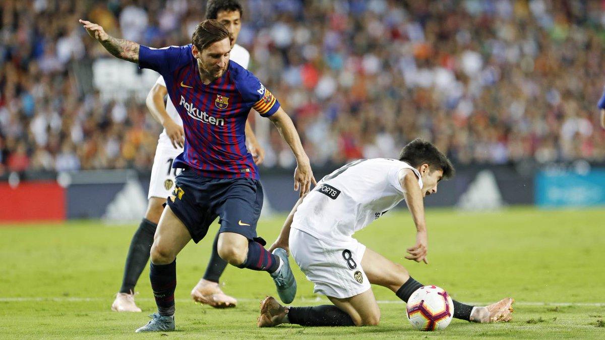 Chấm điểm: Valencia 1-1 Barcelona