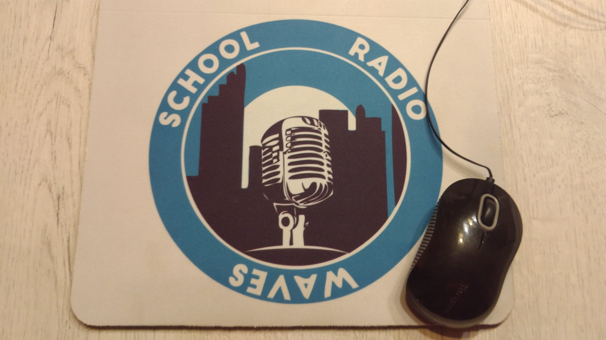 School Radio Waves Mouse pads