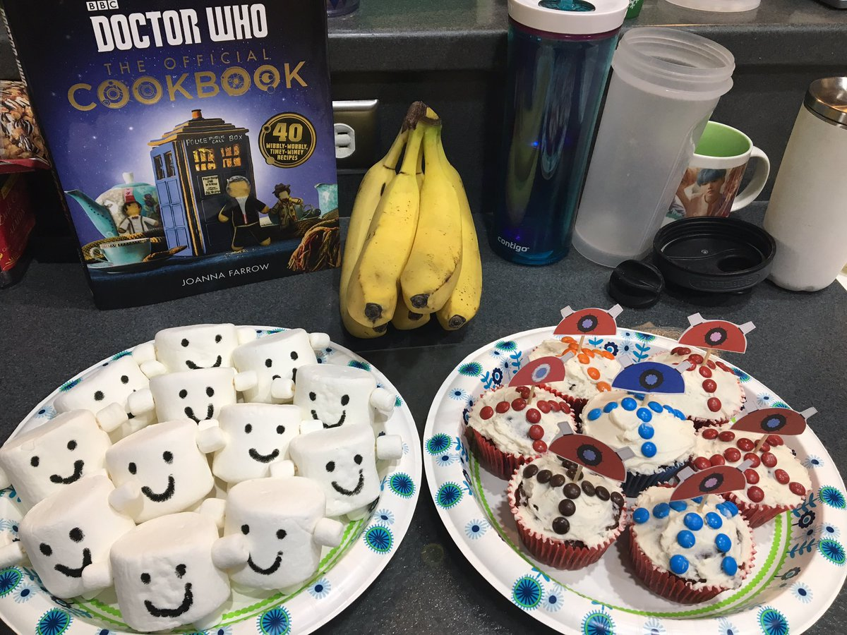 @mad_whovian: We are celebrating #DoctorWho with tasty treats! So excited about #JodieWhittaker   @DoctorWho_BBCA https://t.co/x5oGYDNK7Y