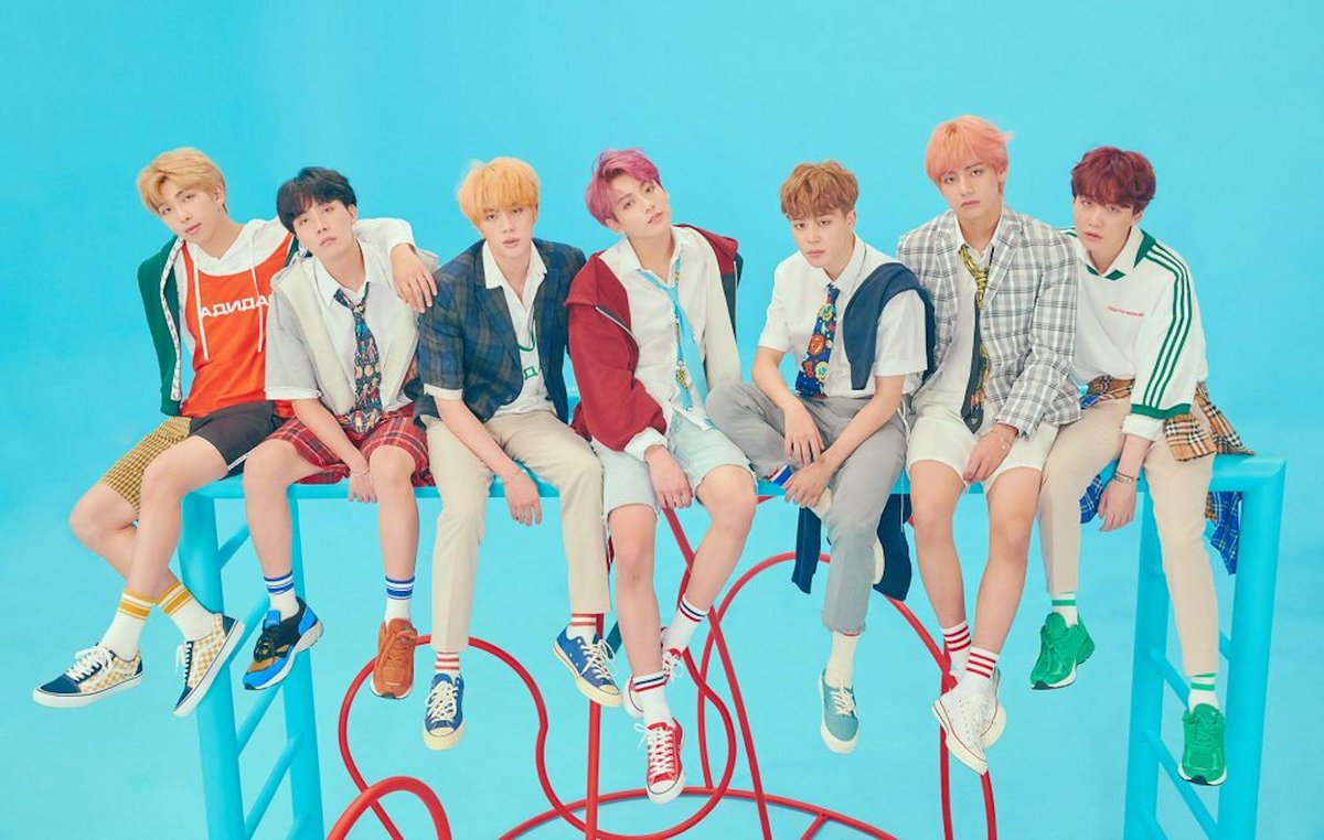 .@BTS_twtmake history in New York with a dazzling and inclusive stadium spectacular https://t.co/l0lkmt5xpl