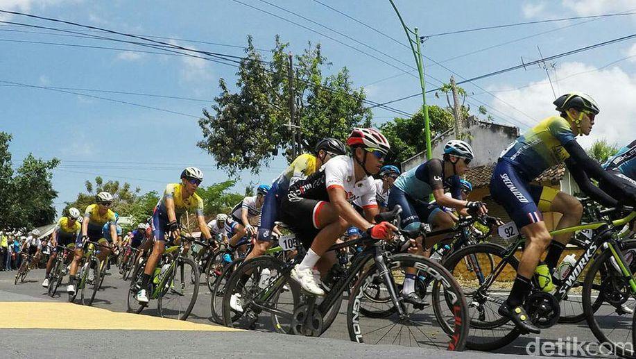 Kinan Cycling Team Targetkan Juara Umum Tour de Banyuwangi Ijen  https://t.co/q7BiHeW6VW via @detiksport https://t.co/4rBGStsZq8