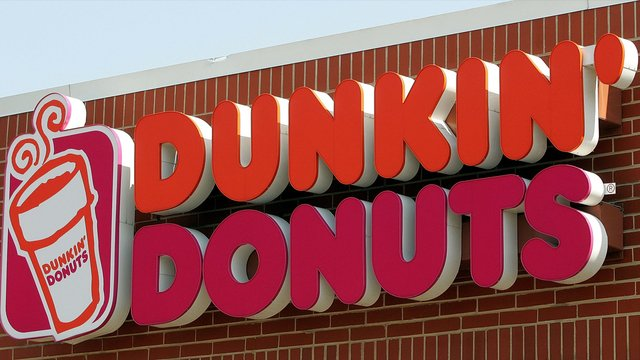 JUST DUNKIN': Doughnuts are still on the menu, but Dunkin' Donuts is renaming itself Dunkin' to reflect its increasing emphasis on coffee and other drinks, which make up 60 percent of its sales. https://t.co/aJUmDCQUNg #Dunkin  @DunkinDonuts
