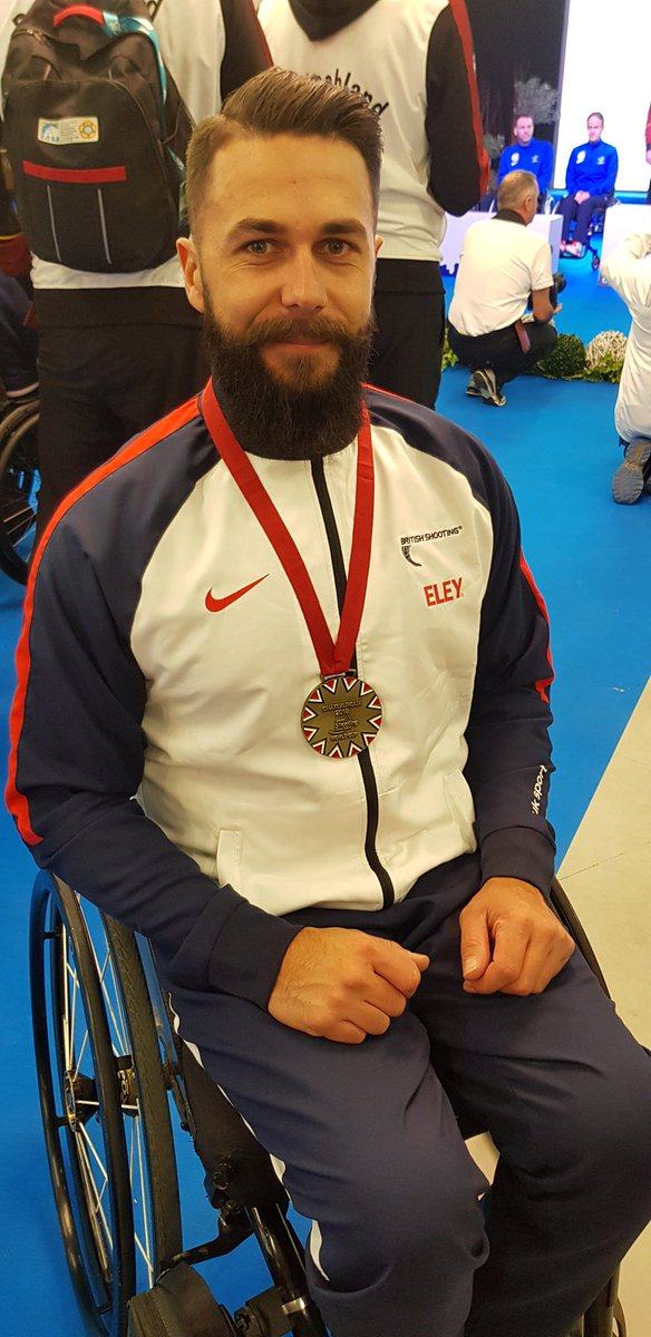 It was a fight at times but @mattskelhon wrestled his way to R6 bronze at the WSPS World Cup in Chateauroux. Thanks to the support from @ELEY who look after Matt and our other athletes so well 🇬🇧🥉 https://t.co/vGSuw0C4kT