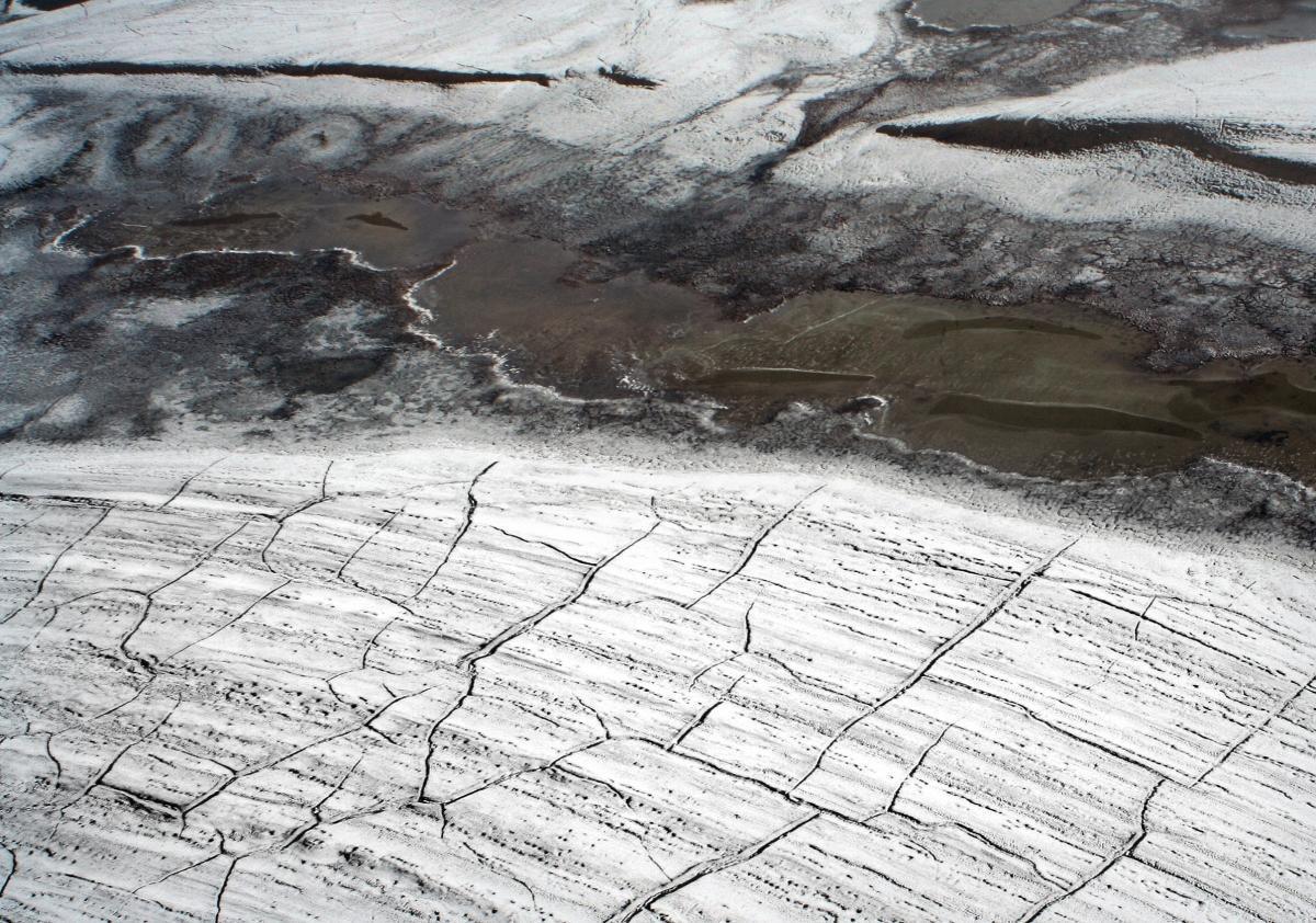 Arctic permafrost is leaking acid and dissolving the rocks beneath  https://t.co/es9Y8WYJeI https://t.co/UlueYfXImf